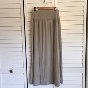 Old Navy Maxi Skirt - Size S